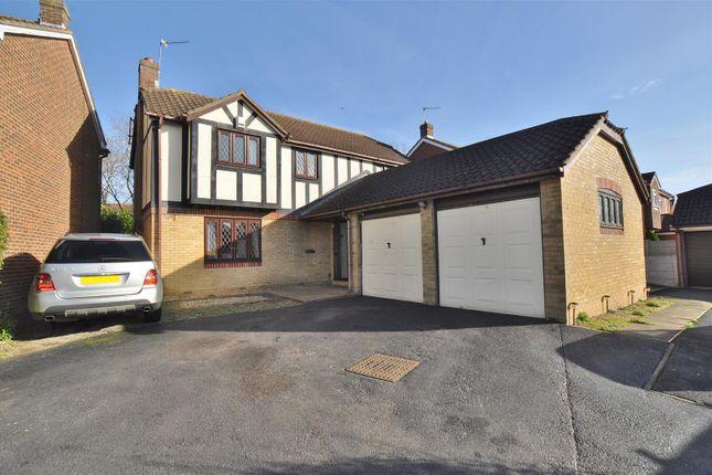 4 Bedroom Houses to Buy in Stevenage - Primelocation