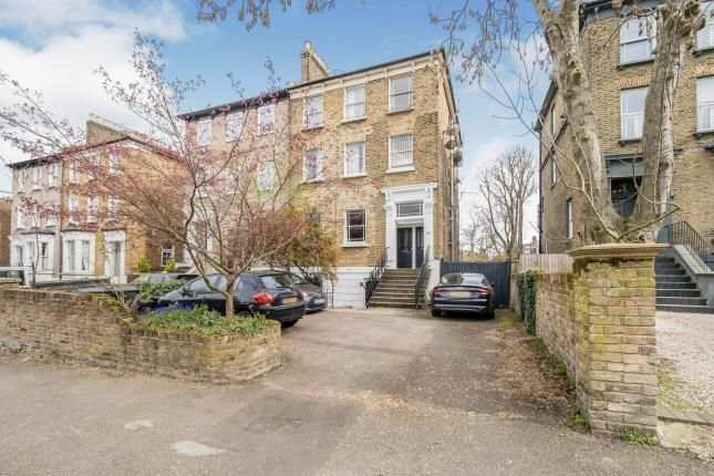 2 bed flat for sale in Wanstead, London, Uk E11
