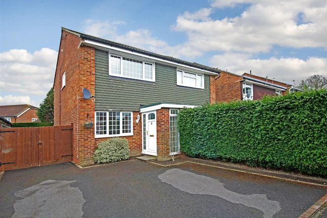 Thumbnail Semi-detached house for sale in Barnsnap Close, Horsham