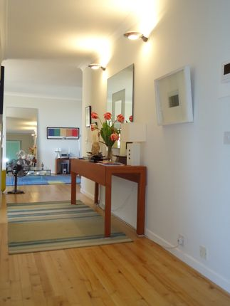 Flat for sale in Vicarage Crescent, Battersea Square