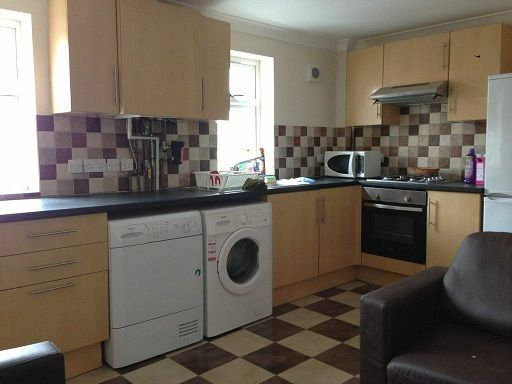 2 bed flat to rent in Palmerston Road, Southampton