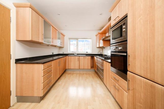 Thumbnail Mews house for sale in Woodland Grove, London