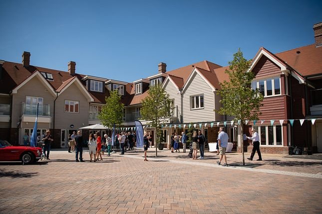 Thumbnail Flat for sale in 11 Gallagher Court, Merlin Way, Warwick