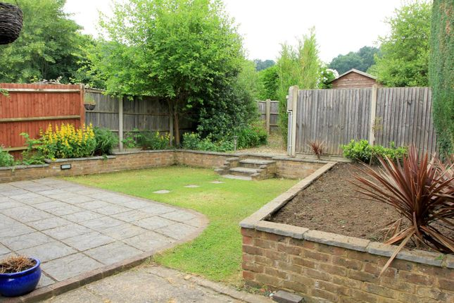 Garden Right of Birtley Road, Bramley, Guildford GU5