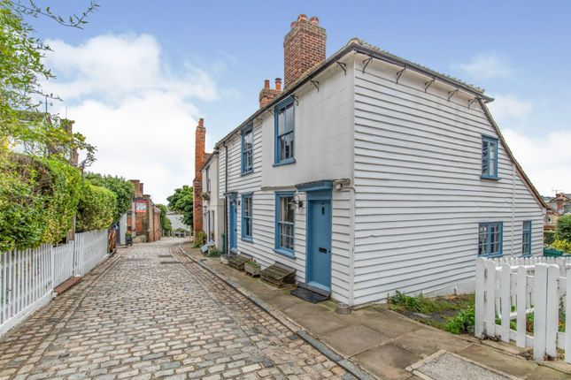 Thumbnail Detached house for sale in High Street, Upnor, Rochester