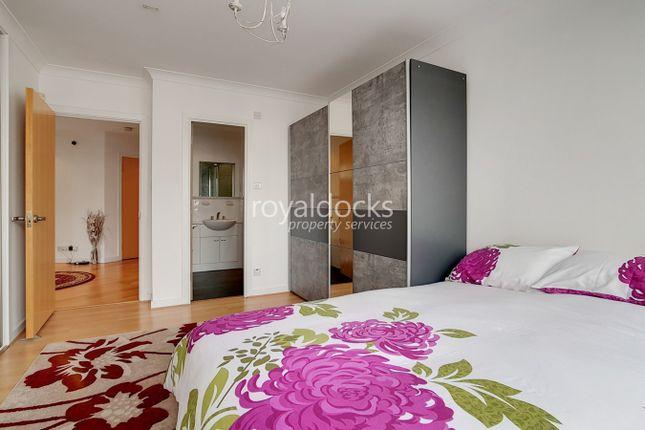Master Bedroom of Boardwalk Place, London E14
