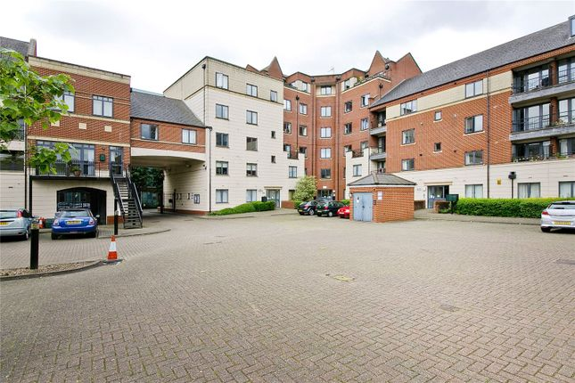 Thumbnail Flat to rent in 3 Manor Gardens, London