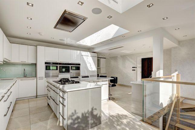 Thumbnail Property to rent in Platts Lane, Hampstead, London