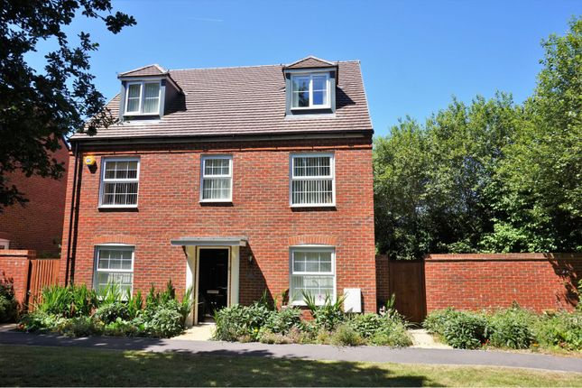 Front View of Baileys Way, Hambrook PO18