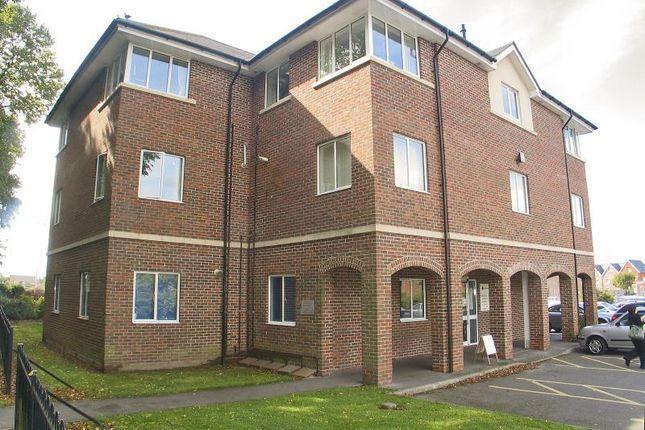Thumbnail Flat to rent in Avenue Road, Lymington
