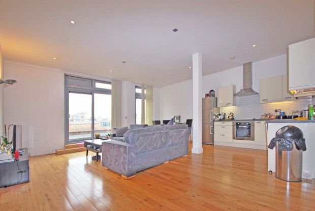 2 bed flat to rent in Curtain Road Curtain Road, London EC2A ...
