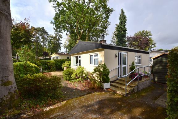 Thumbnail Mobile/park home for sale in Rowan Dale, Grange Estate, Church Crookham, Fleet