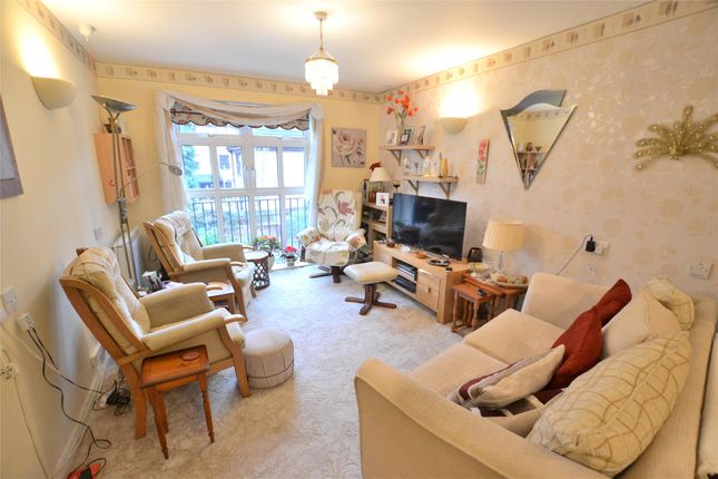 Thumbnail Flat for sale in Moorlands, Beddington Gardens, Wallington