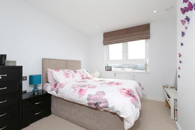 2 bed flat for sale in Knights Tower, 14 Wharf Street, Greenwich, London