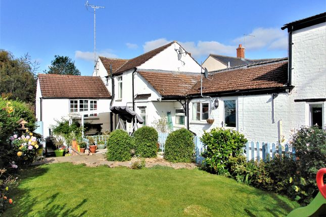 Thumbnail Cottage for sale in West Street, Weedon, Northampton