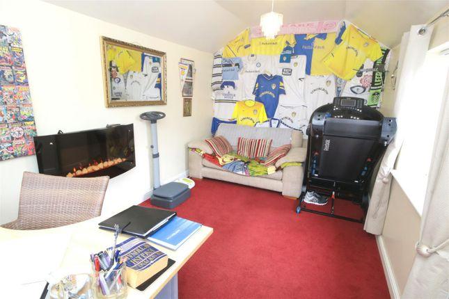 Studio Room of The Avenue, Bessacarr, Doncaster DN4
