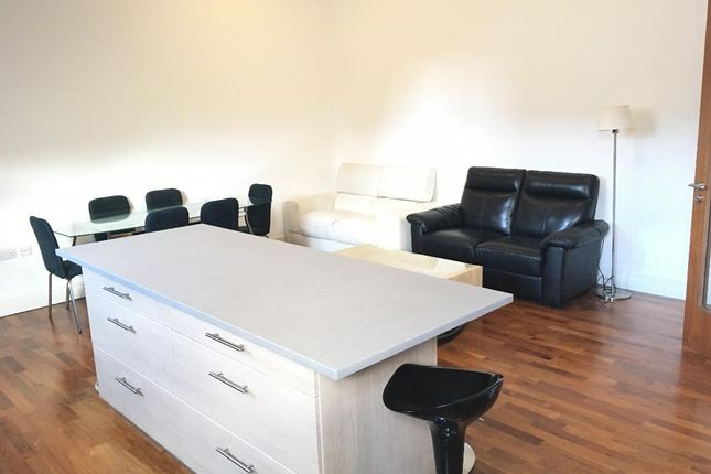 Thumbnail Flat to rent in Very Near North Road Area, Brentford Near The River