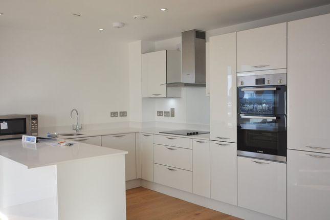 Thumbnail Flat to rent in Alexander Wharf, Ocean Village, Southampton, Hampshire