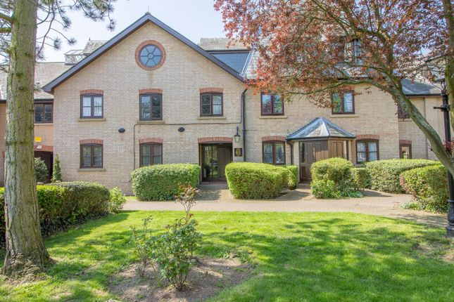 Studio for sale in River Meads, Stanstead Abbotts, Ware SG12