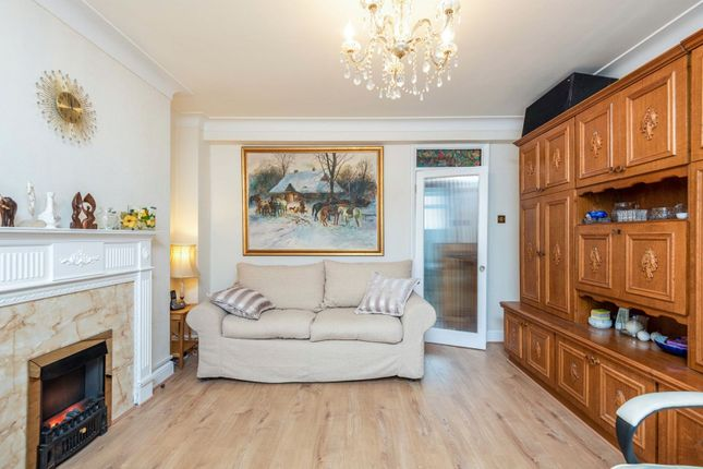 Reception Room of Vale Court, Acton W3