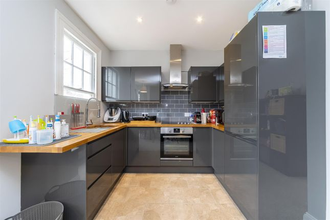 Thumbnail Flat to rent in Windermere Road, Ealing