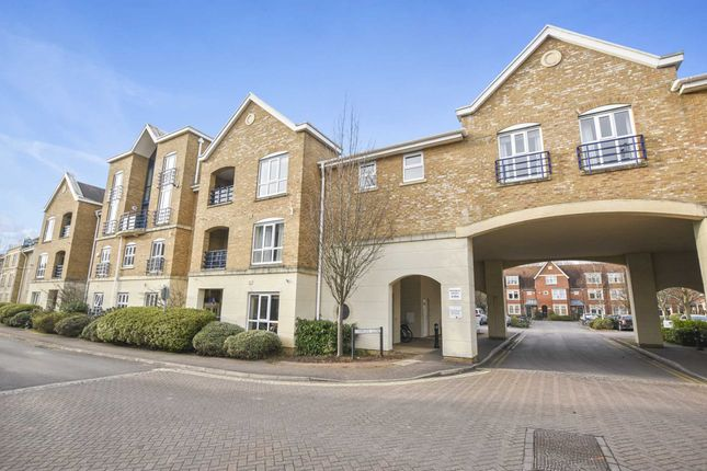 Thumbnail Flat for sale in Complins Close, Oxford