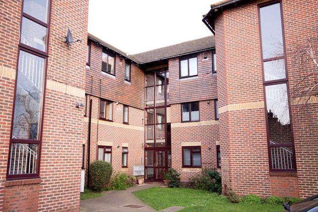Thumbnail Flat to rent in Wykeham Road, Murston, Sittingbourne