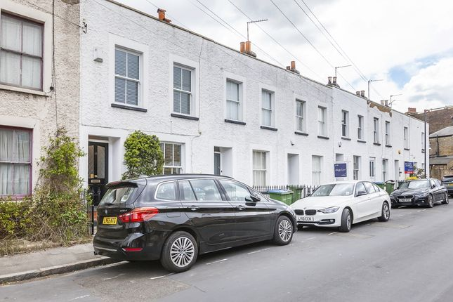 Thumbnail Property to rent in Bowater Place, London