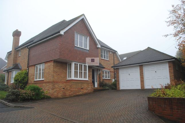 Thumbnail Detached house to rent in Meadowbank Close, Bovingdon, Hemel Hempstead