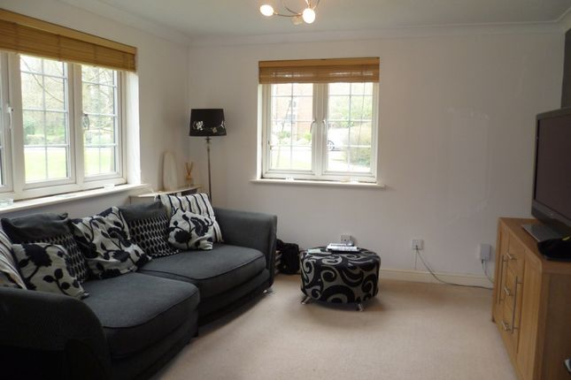 1 bed maisonette to rent in Ravenscroft, Watford