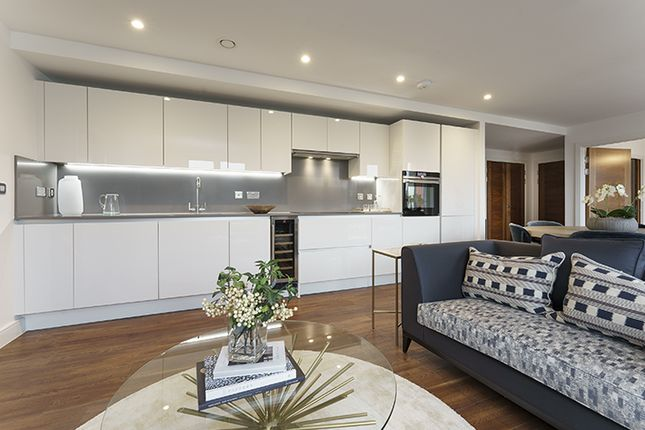 """2 bed flat for sale in """"Sovereign Point"""" at Midland Road, Bath BA2"""