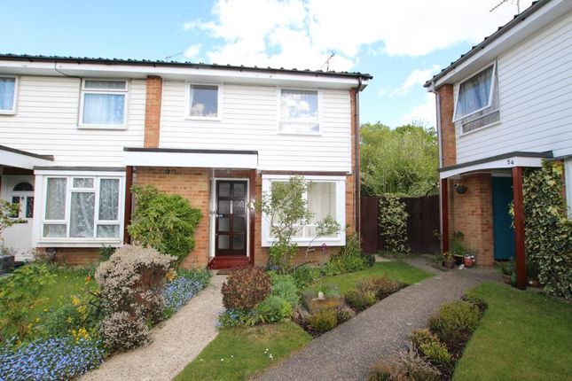 3 bed property to rent in Silversmiths Way, Woking