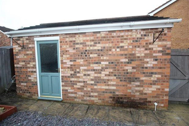 Garage of Farington Gate, Leyland PR25