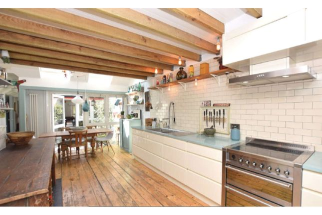 3 bed terraced house for sale in Curtis Way, London SE1