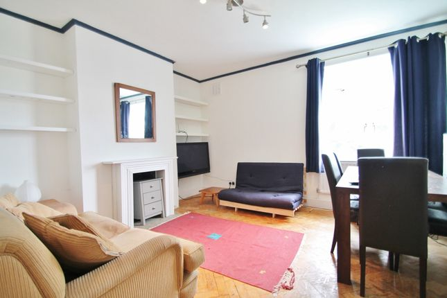 2 bed flat to rent in Gaskell Street, London