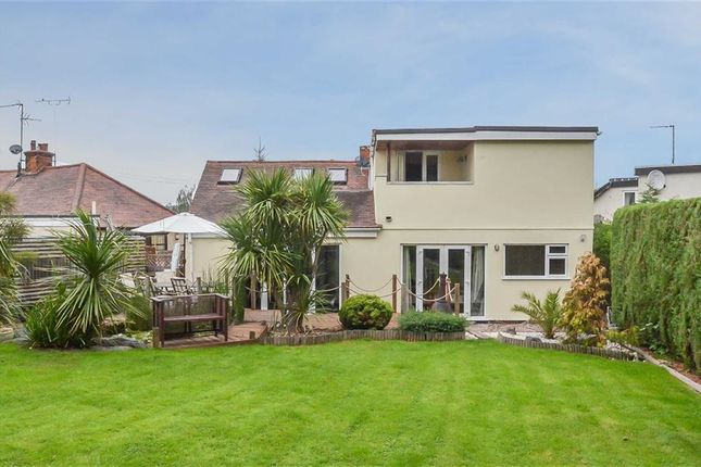 Thumbnail Detached house for sale in Central Close, Benfleet, Essex