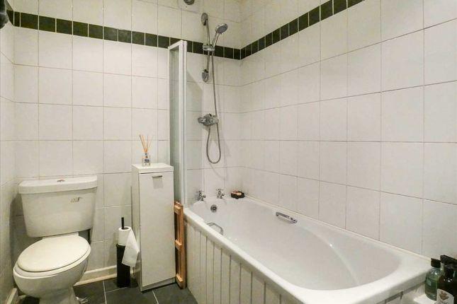 Bathroom of Meade Close, Prescot, Rainhill L35