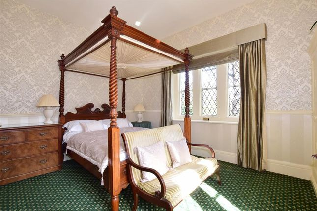 Thumbnail Hotel/guest house for sale in Popham Road, Shanklin, Isle Of Wight