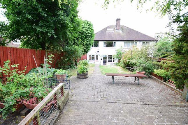 Photo 13 of Elmwood Crescent, Luton LU2