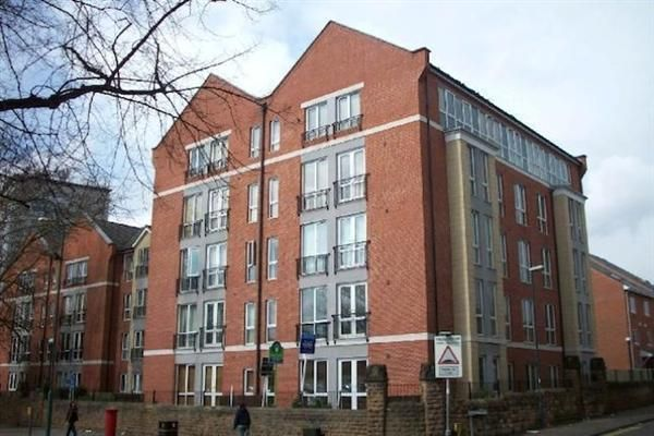 2 bed flat to rent in Russell Road, Nottingham