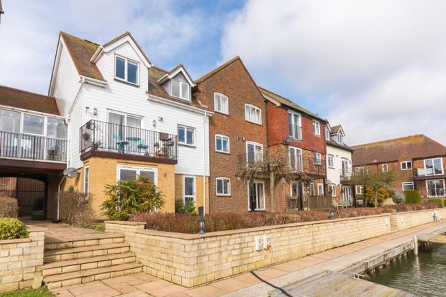 Thumbnail Flat to rent in West Quay, Abingdon