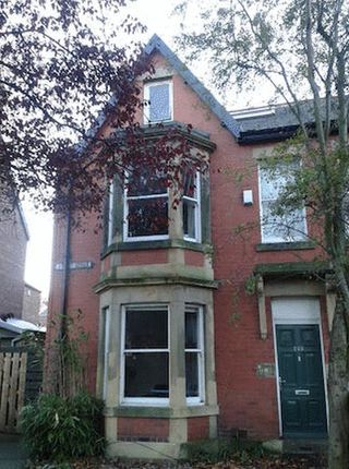 6 bed terraced house to rent in Osborne Road, Jesmond, Newcastle Upon Tyne
