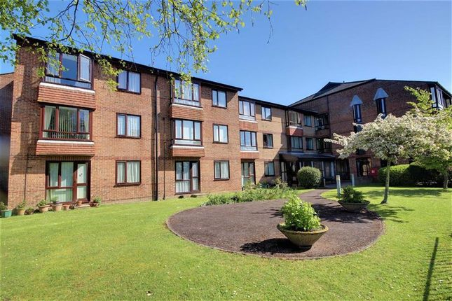 Thumbnail Flat for sale in Broadwater Street East, Worthing, West Sussex