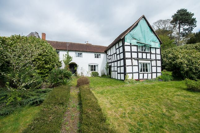 4 bed farmhouse for sale in Broadwas, Worcester