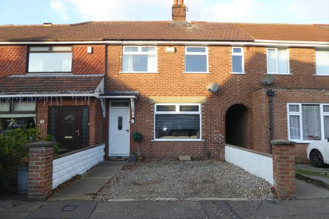 Thumbnail Terraced house to rent in Elm Avenue, Gorleston, Great Yarmouth