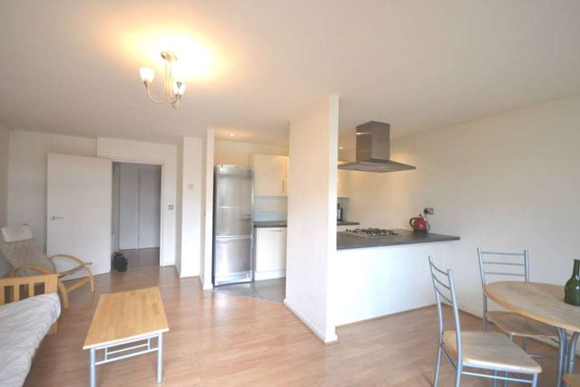Thumbnail Flat to rent in Violet Road, Bromley By Bow