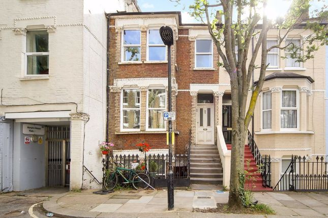 Flat to rent in Medley Road, London