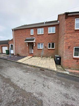 2 bed flat to rent in Meadow Court, Broadmeadows, South Normanton, Alfreton DE55