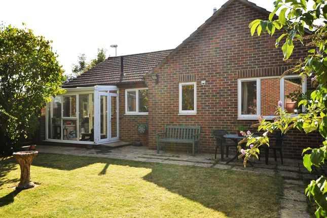 Thumbnail Bungalow for sale in Upper Road, Kennington, Oxford, Oxfordshire