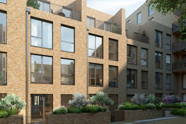 Thumbnail Town house for sale in Brentford Lock West, Durham Wharf Drive, London